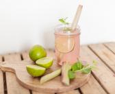 Przepis na miętowo-rabarbarową lemoniadę, która pozwoli przetrwać wam upały