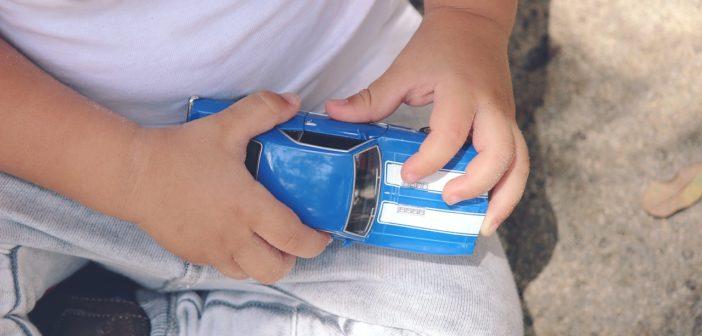 Sprawdzony sposób na to, aby Twoje dziecko w końcu zaczęło interesować się swoimi zabawkami