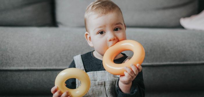 Rusz głową i pozbądź się połowy zabawek twojego dziecka – czyli o zabawkach wspierających rozwój mowy