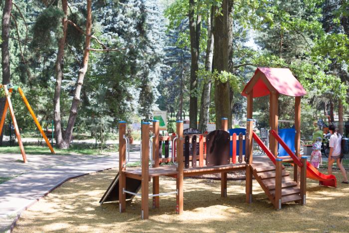 Plac zabaw w Powsinie