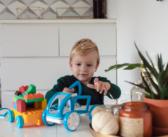 Najlepszy prezent dla dwulatka – masa inspiracji przed Mikołajkami!