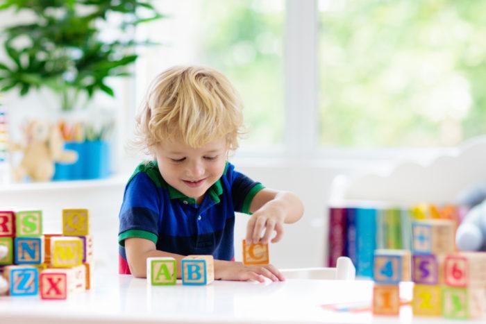 Jak nauczyć dziecko języka obcego?