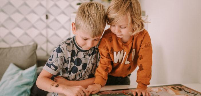 Jesienne zabawki – czym zająć dzieci w długie jesienne wieczory?