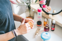 W jakiej kolejności aplikować kosmetyki na twarz